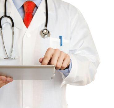 doctor-and-ipad
